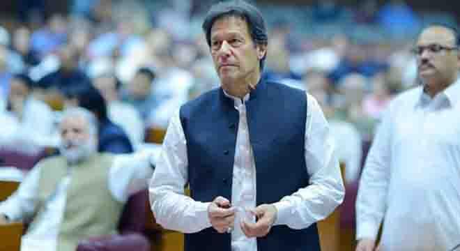 عمران خان کے علاوہ باقی سب مائنس ہو سکتے ہیں، عمران خان کہیں نہیں جائیں گے۔