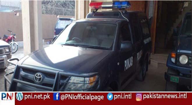 فیصل آباد کے تھانہ لنڈیانوالہ کی پولیس منہ زور ہو گئی، ملزمان کی گرفتاری میں ناکامی پر ملزمان کے بچوں اور خواتین کو گرفتار کرلیا