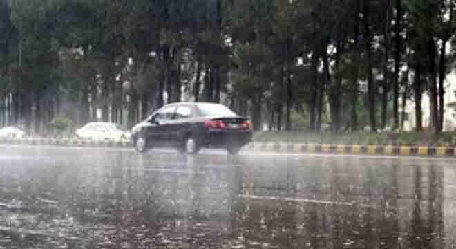 سردی دوبارہ لوٹ آئی، محکمہ موسمیات نے کن کن شہروں میں مزید بارشوں کی نوید سنا دی؟
