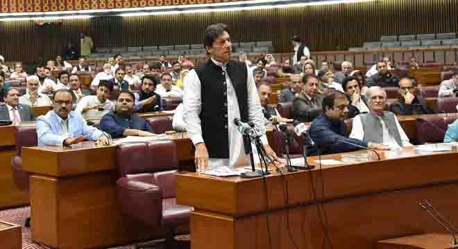 پی ڈی ایم نے وزیراعظم عمران خان کو اسمبلیاں تحلیل کرنے پر مجبور کرنے کی تیاری کر لی، نامور صحافی کے تہلکہ خیز انکشافات