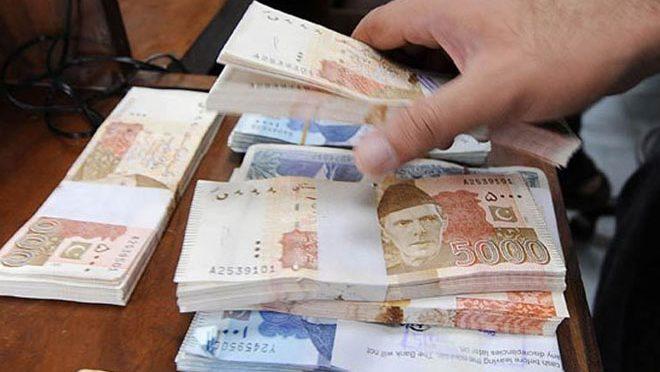 کورونا کے دوران پاکستانی روپے کی قدر میں کتنی کمی ہوئی؟ گورنر اسٹیٹ بینک نے انکشاف کر دیا