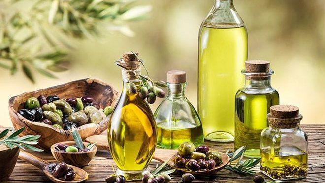 زیتون کے تیل کو صبح نہار منہ اس طرح استعمال کریں اوراپنی زندگی میں بہاریں واپس لائیں