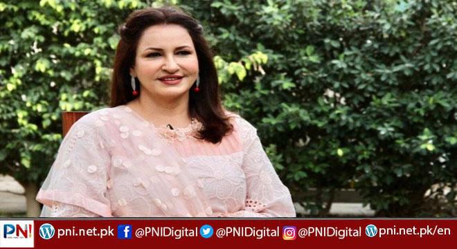 صبا فیصل نے بہو سے متعلق تبصرے  پر صارف کو کھری کھری سنا دیں