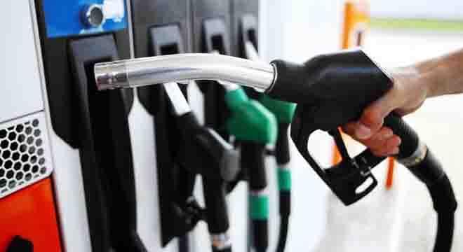 پیٹرولیم مصنوعات میں ہر پندرہ دن بعد تبدیلی کی بجائے تین ماہ کیلئے قیمتیں مقرر کرنے کا مطالبہ کر دیا گیا